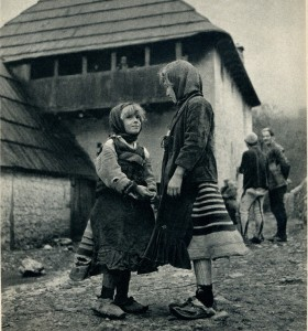 GM047: Two girls of Okol the Shala Valley wearing xhubletas (bell-shaped skirts) (Photo: Giuseppe Massani, 1940).