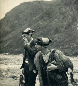 GM035: Two shepherds in Theth (Photo: Giuseppe Massani, 1940).