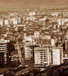 Shkodra, i përmallshmi qyteti jem… N'syt tuej, e n'pikllimin tem, vërshuekan tana vjeshtat e pritjes