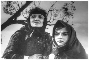 Marie Logoreci dhe Roza Anagnosti_n